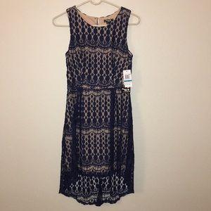 Dresses & Skirts - 🌟NWT🌟Navy Blue Lace Dress